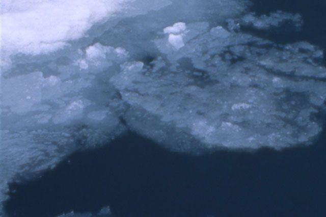 Весенний лед.