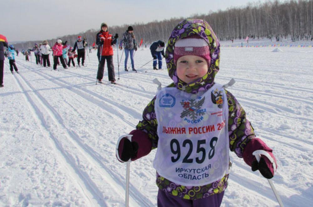 Заряжались зимней бодростью и начинающие спортсмены.