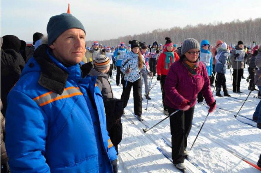 Спасатели следили за безопасностью лыжников.