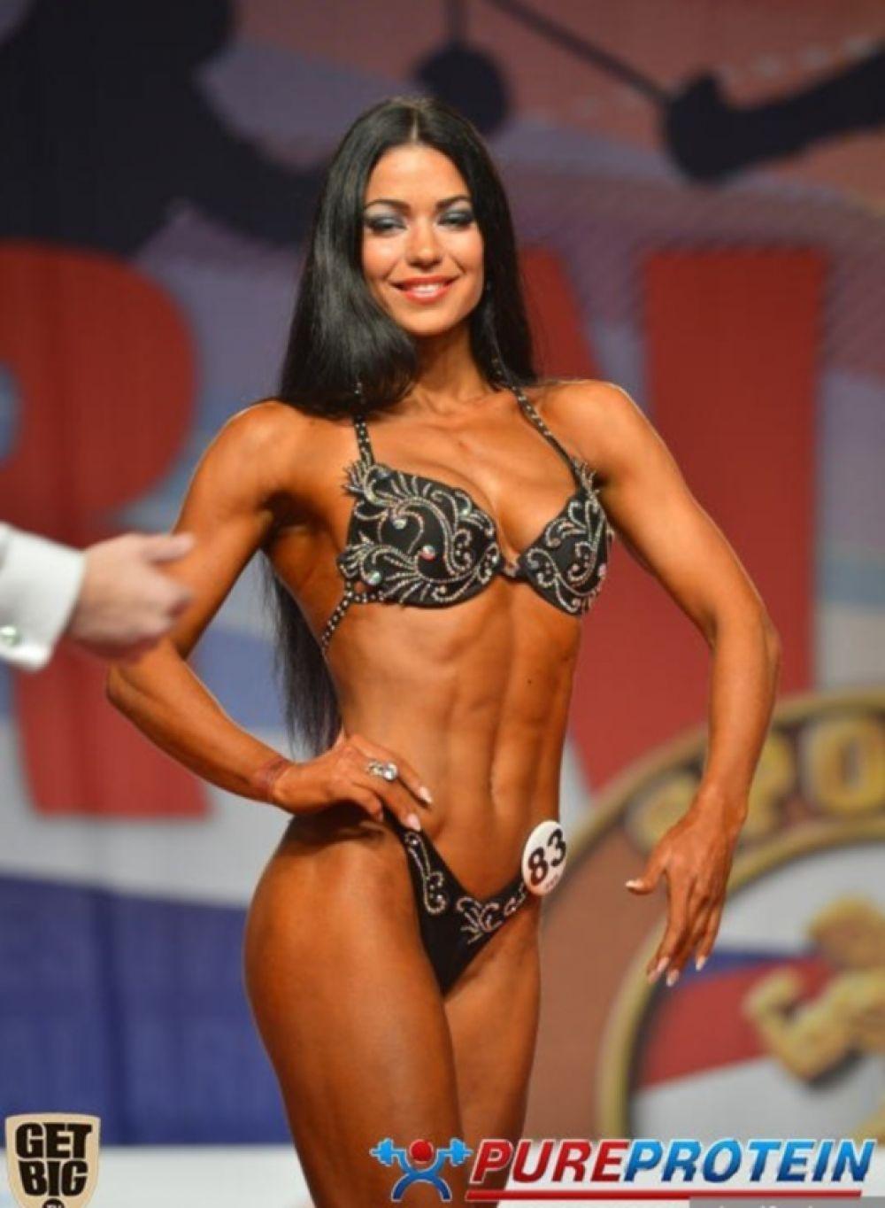 Оксана Оробец заняла первое место в низкой категории фитнеса
