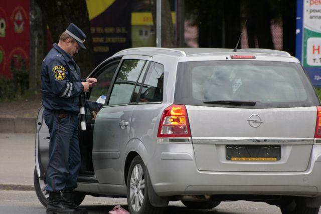 ГИБДД просит водителей быть внимательными на дорогах