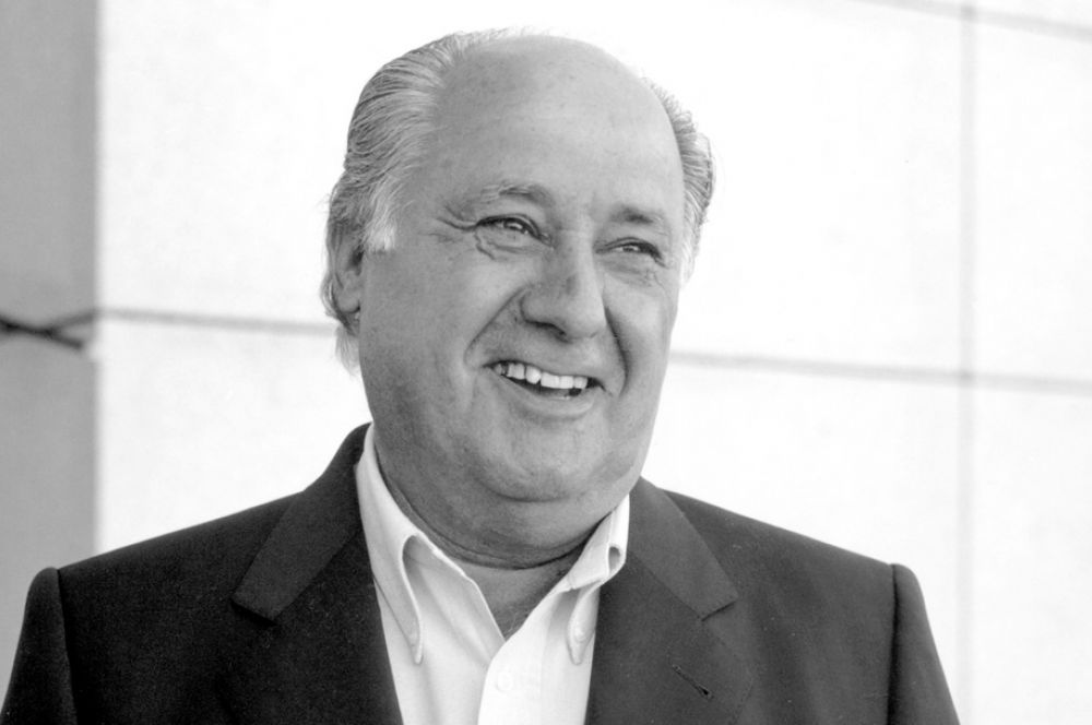 Третье место занял 77-летний испанский ритейлер Амансио Ортега, владелец брендов Zara, Massimo Dutti, Bershka, Pull & Bear и ряда других. Его состояние оценивается в $64 млрд.