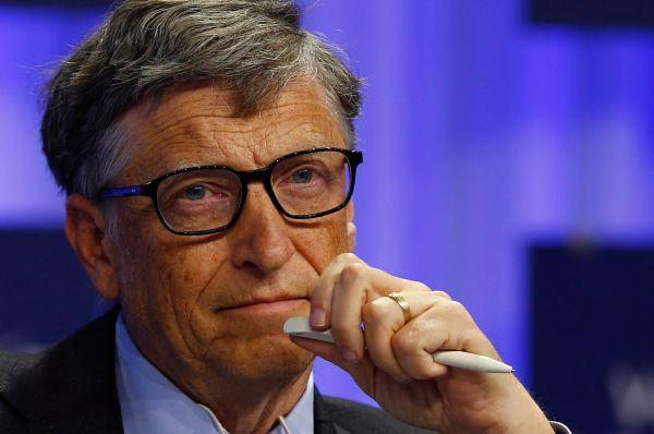 На первое место в списке богатейших людей планеты вернулся Билл Гейтс. На данный момент состояние 58-летнего бизнесмена оценивается в $76 млрд. Основными источниками его доходов являются прибыль с инвестиций и акций компании Microsoft.