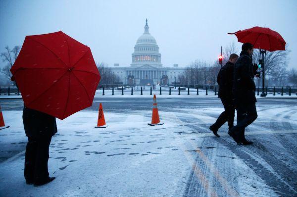 Отметим, что это не первый за последнее время сильный снегопад в США – в середине февраля из-за обильных осадков пострадали штаты Массачусетс и Мэн.