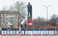 Все силы на Украине сейчас должны проанализировать ситуацию и попытаться разрешить возникший конфликт мирным путём.