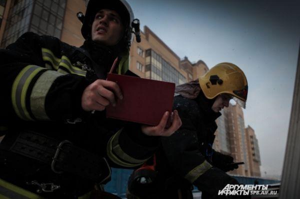 На всех пожарах повышенного уровня сложности тушением руководит оперативная группа.