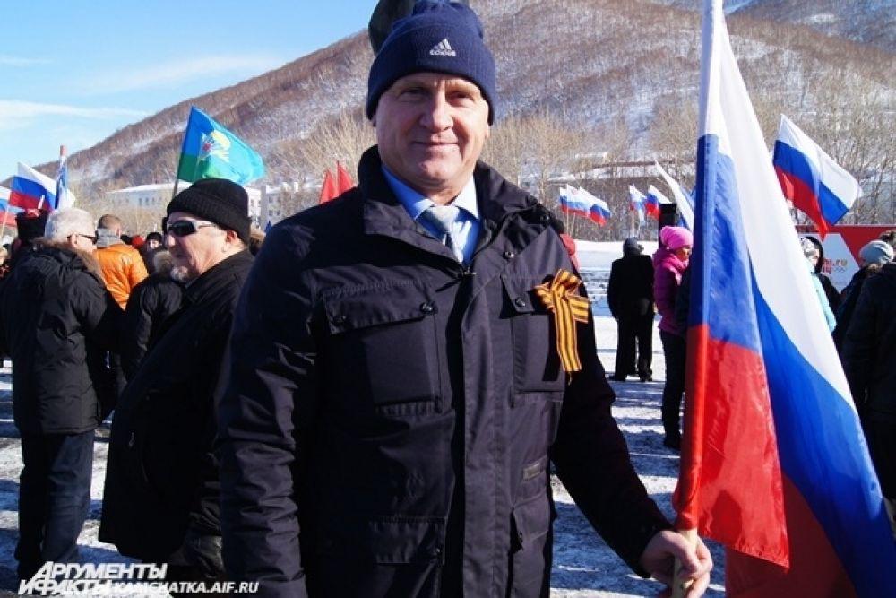 «Россия+Крым! Крымчанам российское гражданство!»