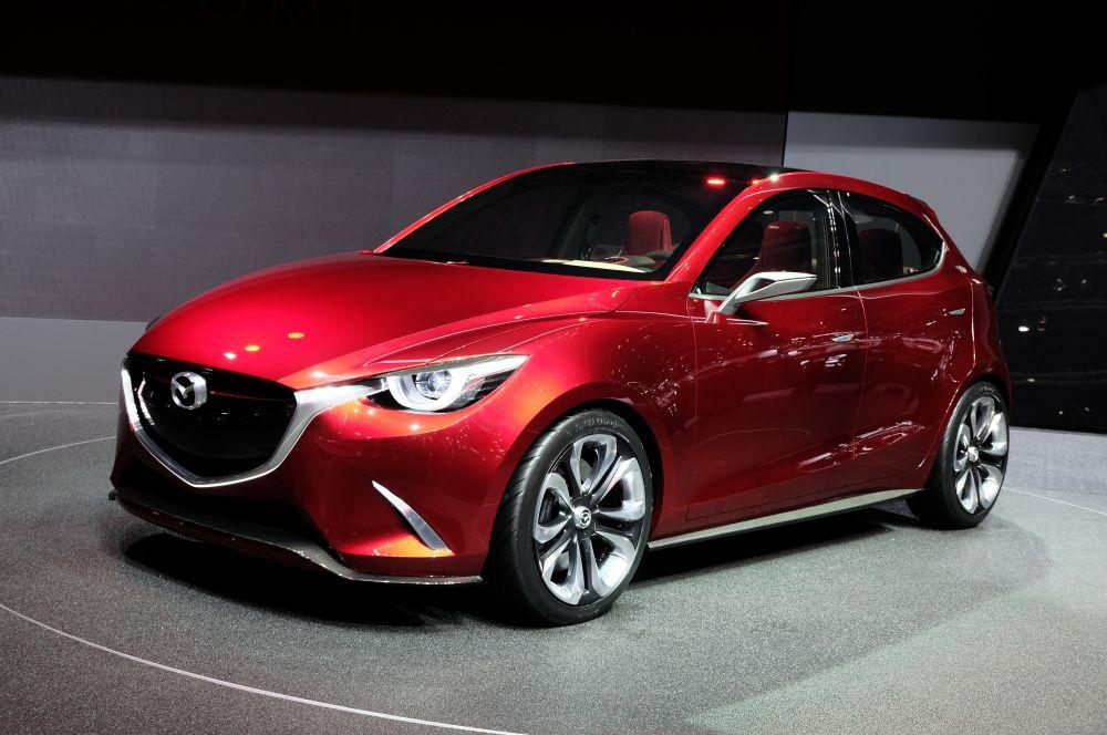 Компания Mazda представила в Женеве концепт Hazumi. На базе этого автомобиля в конце года может появиться новая Mazda2. Производитель отмечает, что в Hazumi заложены основные идеи дальнейшего развития компактных моделей Mazda.