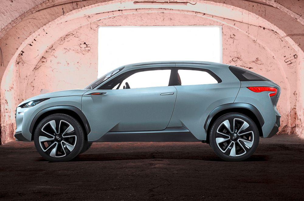 Hyundai представила концепт кроссовера Intrado. Впоследствии компания планирует построить на его базе линейку компактных кроссоверов.