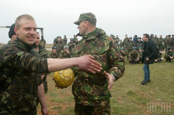 Футбольное противостояние состоялось на аэродроме «Бельбек»