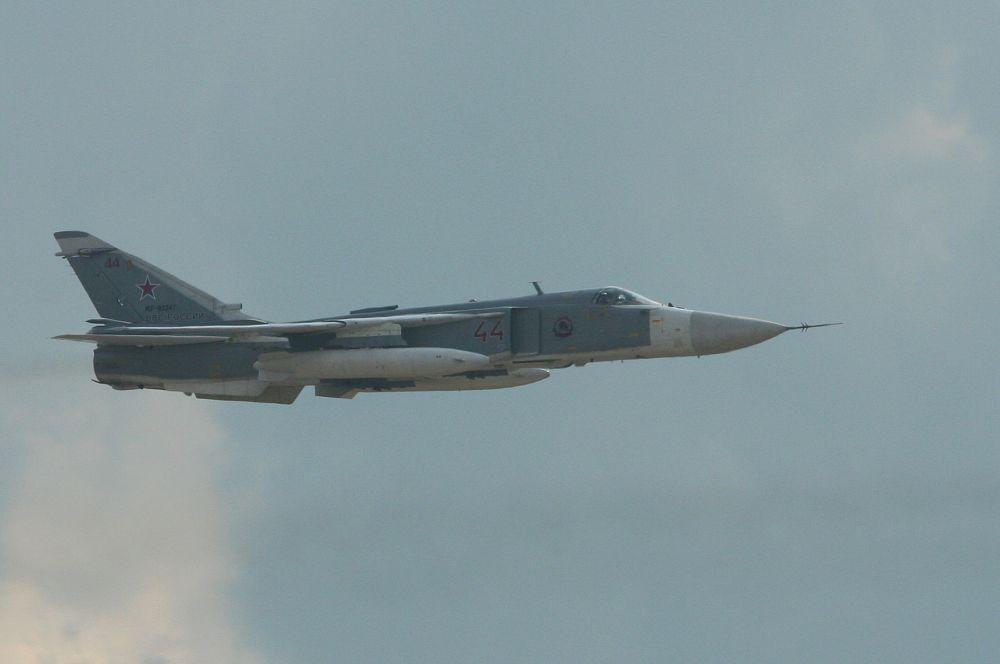В 1971 году началось массовое производство фронтового бомбардировщика Су-24, способного работать в сложных метеоусловиях. В общей сложности было произведено 1400 машин, многие из которых применялись в афганской и чеченской войнах.