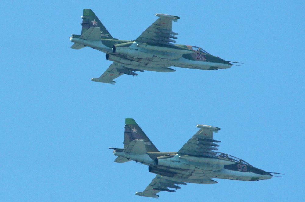 В 80-х годах на вооружении советских ВВС состояли штурмовики Су-25, предназначенные для поддержки сухопутных войск. Су-25 по-прежнему находится в строю, а Министерство обороны объявило о возобновлении закупок этой машины.