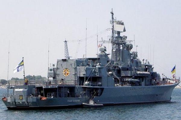 Фрегат встал на якорь в порту Одессы