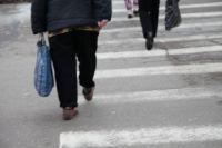 Даже идя по переходу, нужно смотреть не под ноги, а по сторонам.