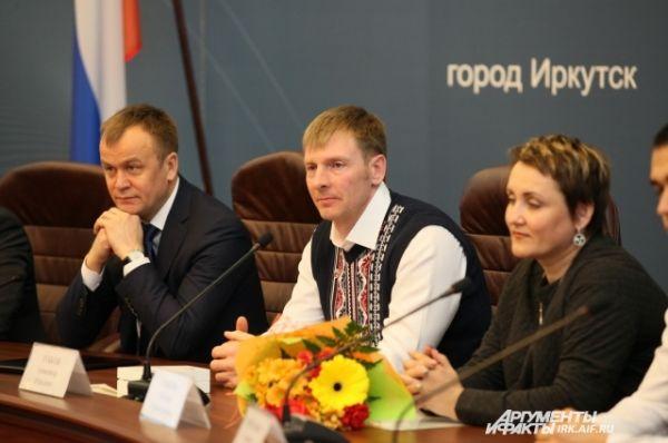 В торжественном вручении наград от области участвовал лично губернатор Приангарья Серегй Ерощенко.