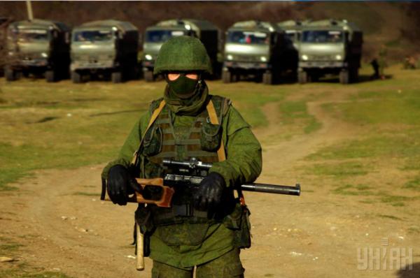 Караульный во время блокирования 36-й отдельной бригады береговой охраны ВМС Украины