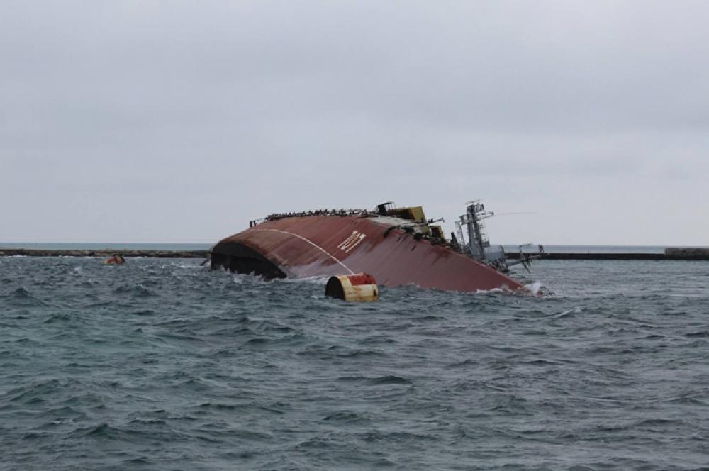 «Очаков» привязали к плавающему гидротехническому сооружению