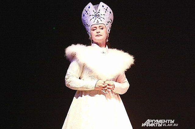Татьяна Донская в образе Снежной Королевы.
