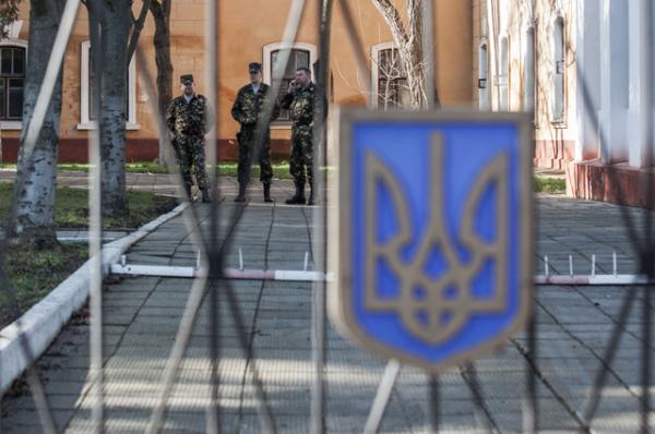 Украинские солдаты заблокированы на улице Карла Маркса в Севастополе