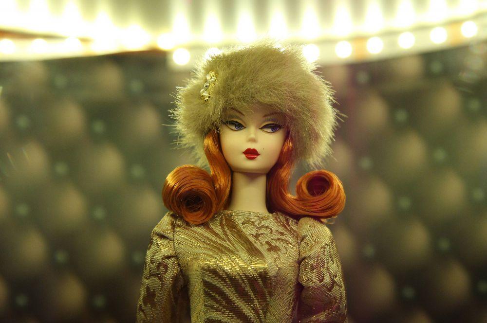 Сегодня Барби является одной из самых популярных детских игрушек в истории. Персонаж используется в мультфильмах и рекламных кампаниях, ряд детских журналов, а в Китае появилось тематическое Барби-кафе, открытое по лицензии производителя куклы.