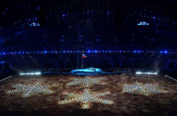 Паралимпийские игры своим выступлением в Сочи открыл президент России Владимир Путин. «Зимние паралимпийские игры в Сочи объявляю открытыми», - провозгласил Путин на церемонии открытия, которая проходит на стадионе «Фишт».
