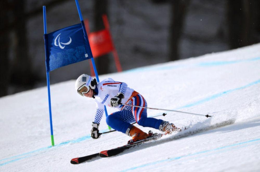 10 марта лыжница Александра Францева завоевала «серебро» в скоростном спуске в категории «с нарушением зрения».