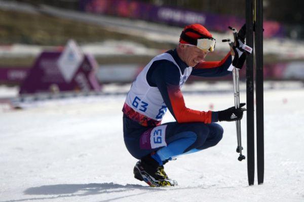 Серебряную медаль в лыжной гонке на дистанции 20 км в категории «с нарушением зрения» завоевал Станислав Чохлаев.