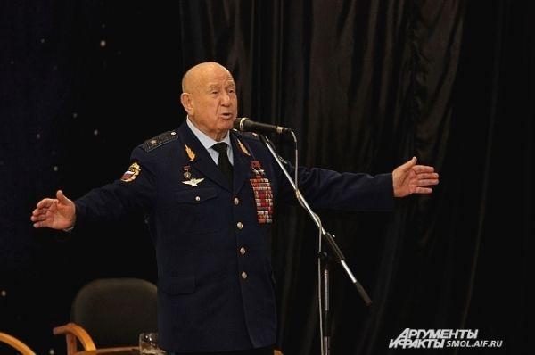 Алексей Леонов.