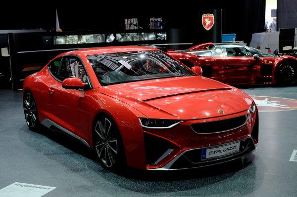 Компания Gumpert в Женеве показала свой новый концепт Explosion, который сейчас готовится к выпуску в серию. Автомобиль использует трубчатую раму, а кузов выполнен из углеволокна. 420-сильный мотор разгоняет автомобиль до 100 км/ч за три секунды.