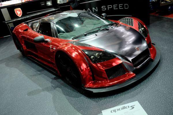 В Женеве Gumpert также похвасталась обновлённой версией своего знаменитого спорткара Apollo, впервые представленного ещё в 2005 году.