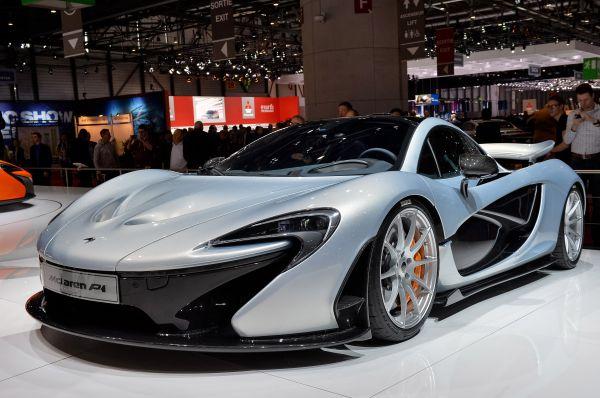 Настоящим сюрпризом Женевского автосалона стал ещё один McLaren – доработанная версия P1 FAB. Инженеры тюнингового ателье FAB Design создали ряд новых деталей кузова, был улучшен двигатель и система охлаждения, а также переработан задний спойлер.