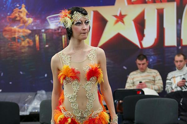 Многие из участников талант-шоу удивляли яркими и тщательно подобранными к выступлениям нарядами