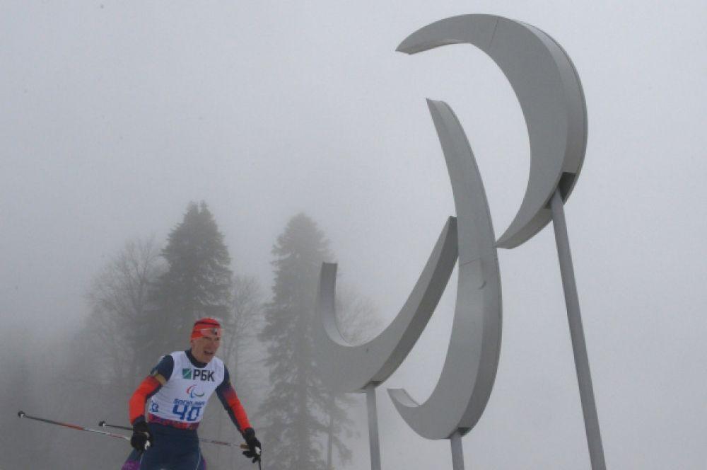 Биатлонист Николай Полухин завоевал «серебро» в биатлоне на 12,5 км в категории «с нарушением зрения». Это уже вторая медаль Полухина в Сочи.