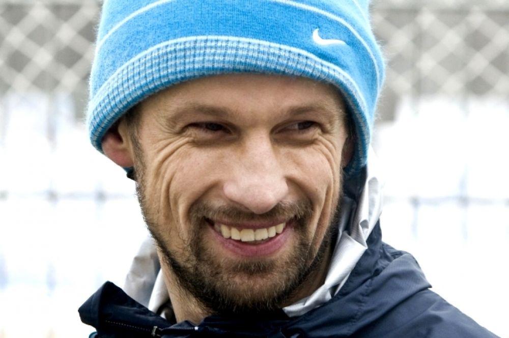Кто знает, может быть, именно Сергей Семак, который в эти дни готовит команду к матчу против ЦСКА, со временем избавится от приставки и.о. и станет полноправным рулевым «Зенита». Но для этого ему, как минимум, придется выиграть чемпионский титул в этом сезон.