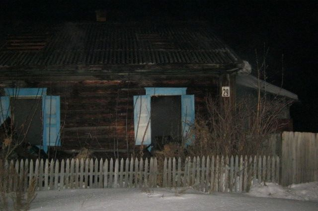 В Омской области при пожаре умерло три человека.