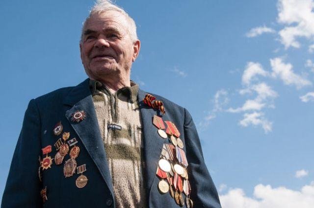 Поздравим ветеранов с Днём Победы!