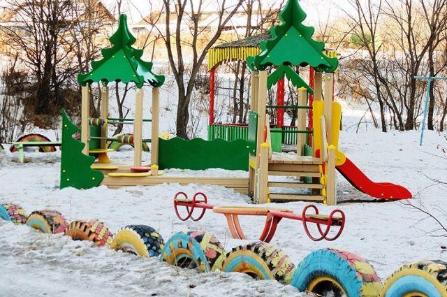 Детская площадка на переулке Отрадном в Хабаровске