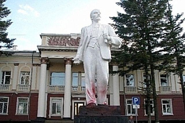 Памятник Ленину в г. Артёме.