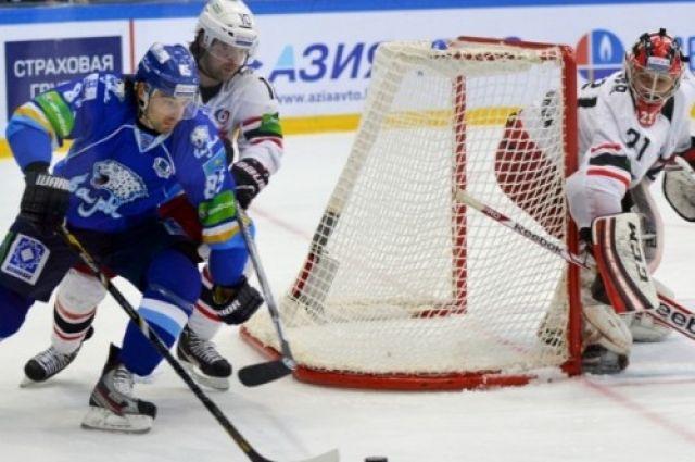 ХК «Автомобилист» всухую проиграл серию казахскому «Барысу»