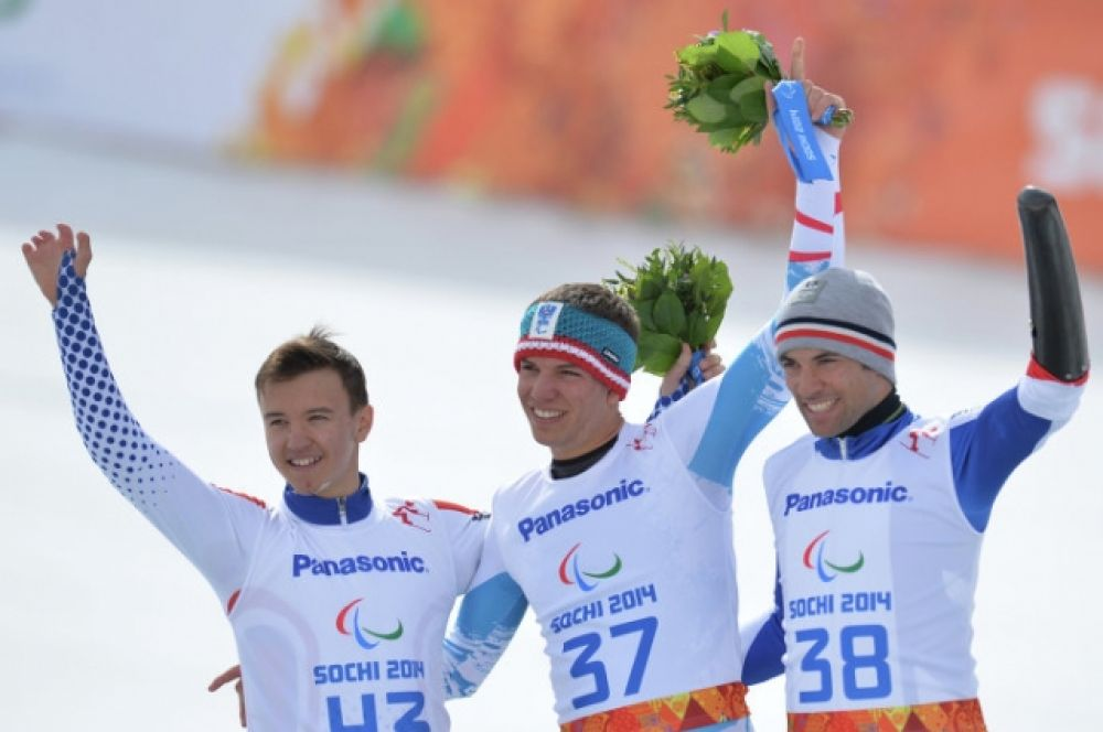 Алексей Бугаев (Россия) на трассе слалома в супер-комбинации в классе LW 2-9 (стоя) на соревнованиях по горнолыжному спорту среди мужчин стоя.