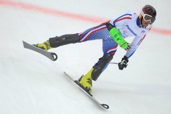 Алексей Бугаев на трассе слалома в супер-комбинации в классе LW 2-9 (стоя) на соревнованиях по горнолыжному спорту среди мужчин.