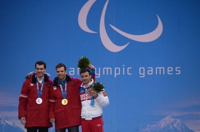 Бронзовый и серебряный призёр Паралимпиады Алексей Бугаев (справа).