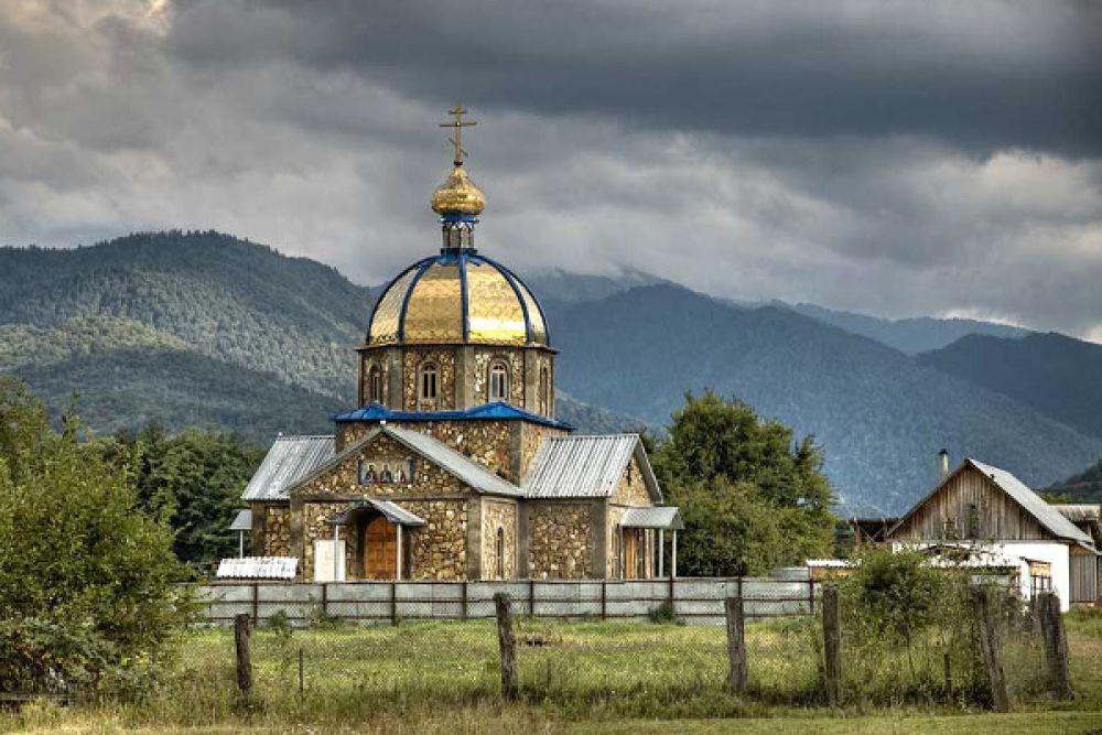 Храм Самона, Гурия и Авива, Майкопский район, село Хамышки