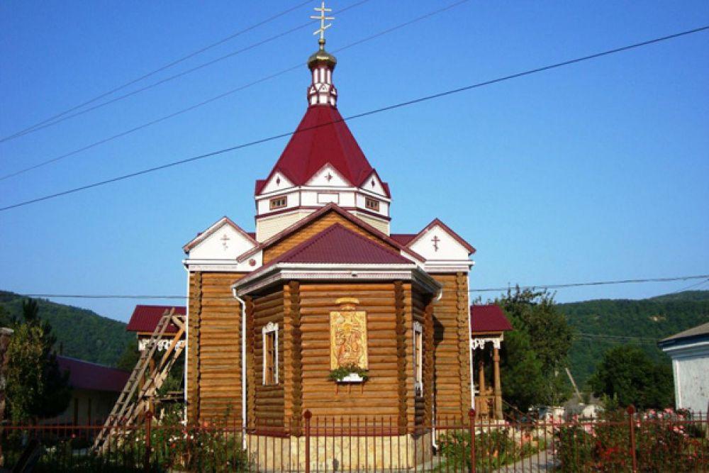 Храм Дмитрий Солунского. Майкопский район, п. Каменномостский