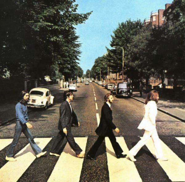 8 августа 1969 года группа The Beatles проводила фотосессию на Эбби-роуд, одной из самых оживлённых в то время улиц Лондона. Ради этого события участок Эбби-роуд был перекрыт полицией, и у фотографа Иэна Макмиллана было всего десять минут. Позже эта фотография стала обложкой одноимённого альбома – «Abbey Road», который затем на протяжении 11 недель возглавлял американские чарты.