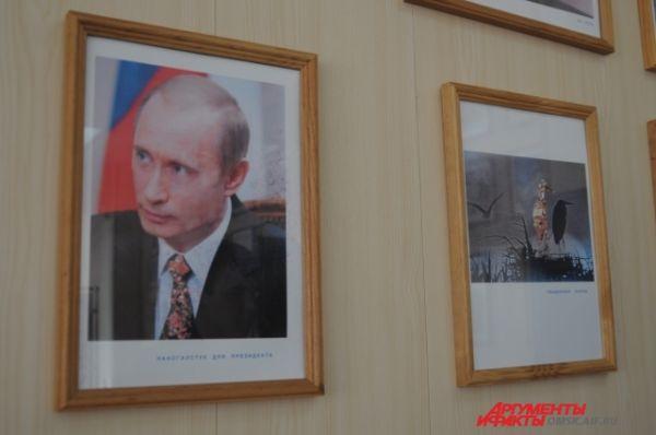Нанокартины Пётра Гринберга. Наногалстук для Путина.