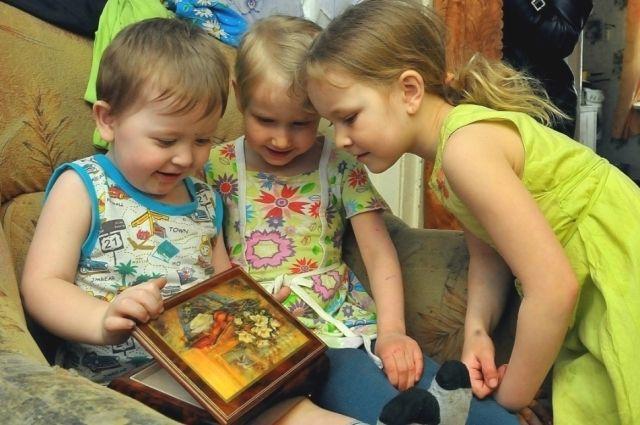 В Екатеринбурге собирают пасхальные подарки для сельских детей