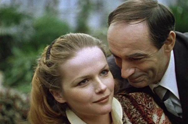 В знаменитой музыкальной комедии «Чародеи» Валентин Гафт сыграл роль Аполлона Сатанеева, интригана и конъюнктурщика, пытающегося обманом жениться на главной героине и заполучить место директора.