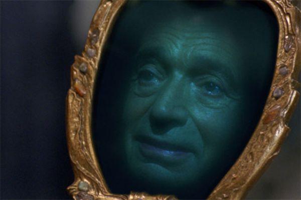 В сказочной российской ленте студии Walt Disney Pictures «Книга мастеров» Валентин Гафт сыграл роль волшебного говорящего зеркала.