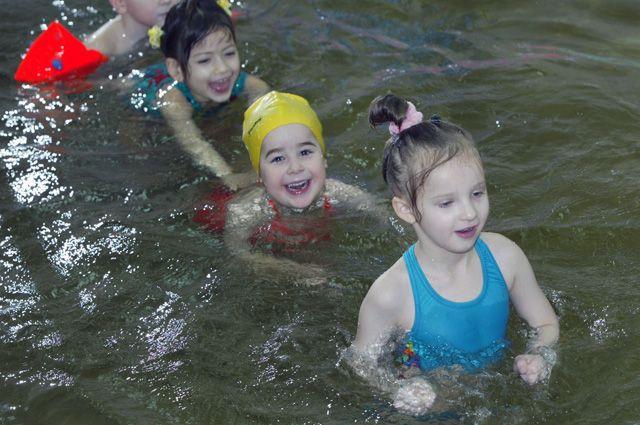 В Алапаевском районе появился первый в его истории плавательный бассейн